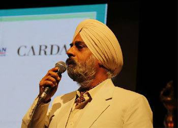Shri Kartar Singh singing a ghazal. - at FICCI Auditorium